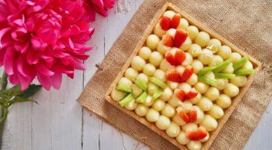 Crostata alla nocciola con frutta fresca