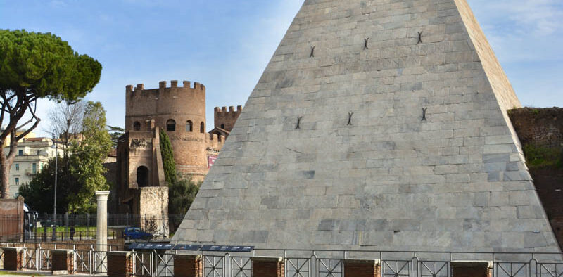 Cimitero acattolico Roma piramide Cestia