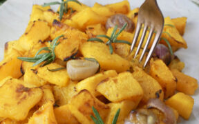 zucca al forno con scalogno e rosmarino