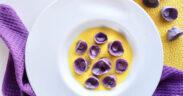 Cappelletti viola al formaggio con crema di zafferano