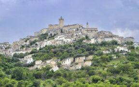 Castello Piccolomini Capestrano