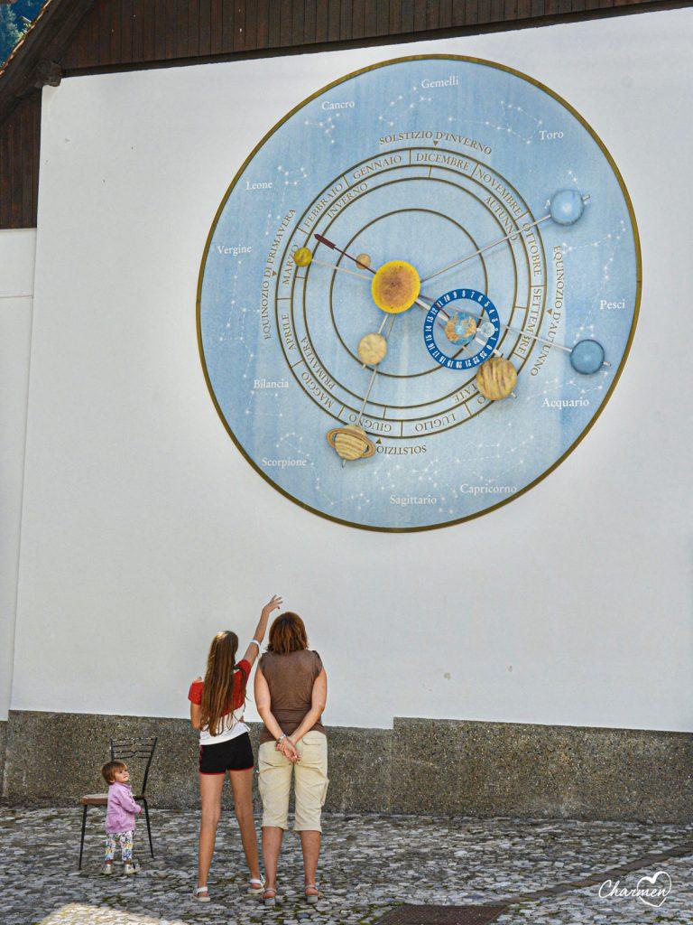 Pesariis Orologio monumentale